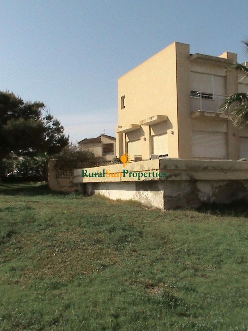 Detached Villa second line in La Zenia, Costa Blanca