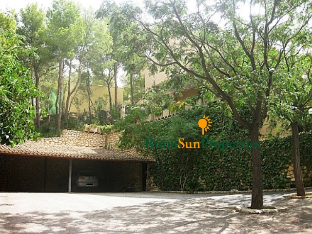 Country house in the mountains near Murcia