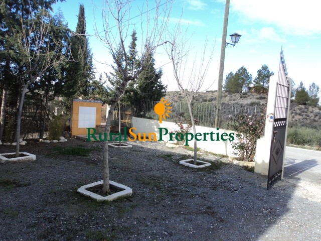 Two houses for sale over plot of 600 sq m. inland Murcia