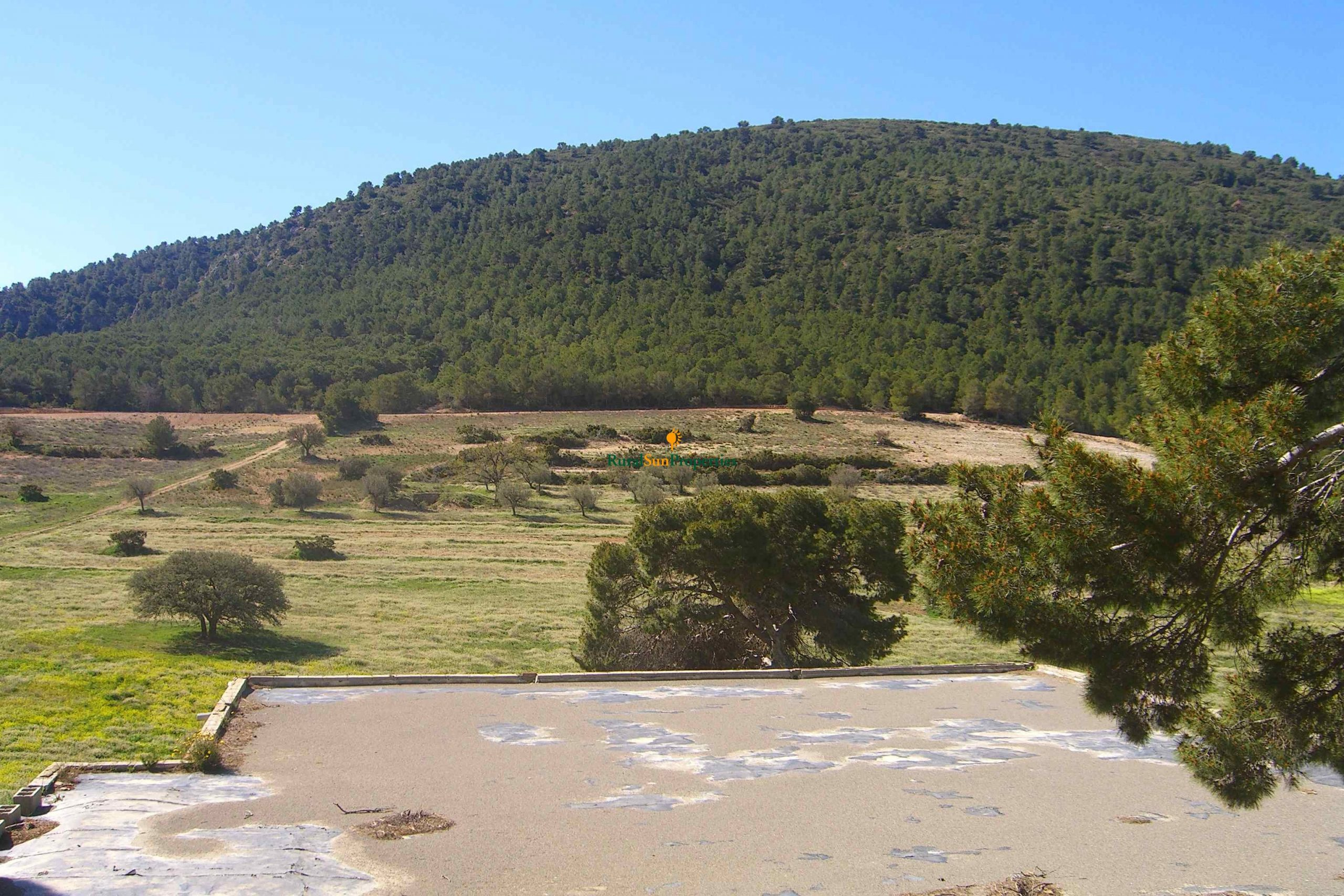 Great spanish Finca for sale in Lorca, located in a place of extraordinary scenic beauty and rich wildlife.