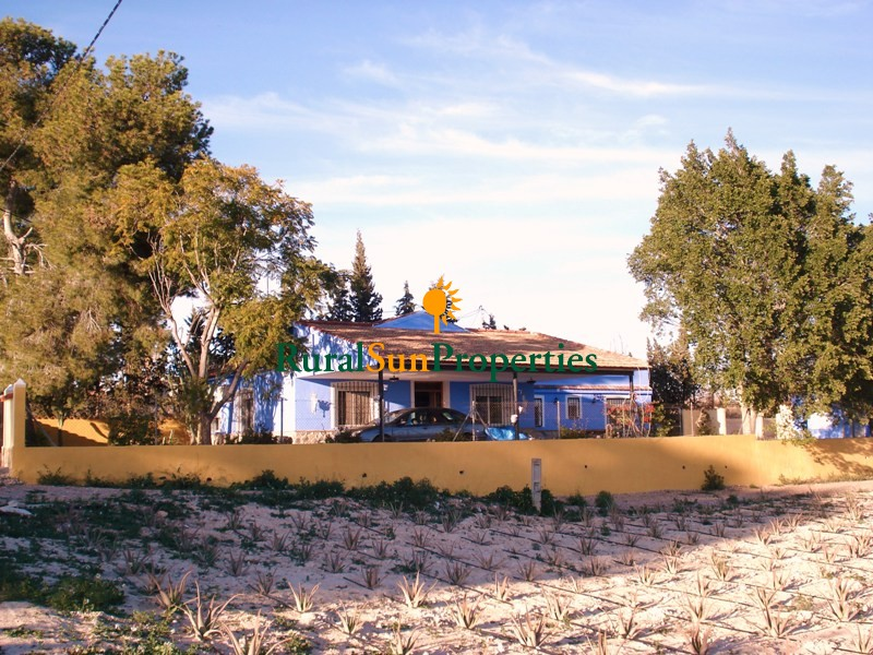 Venta Casa de Campo Villa en Fortuna a dos calles de colegio y servicios