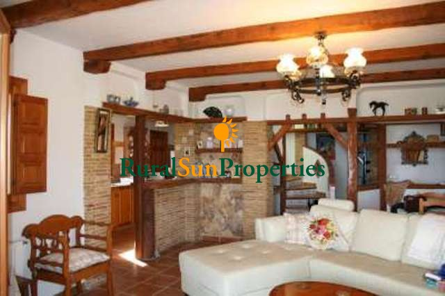 Villa with plot on mountain in Lorca