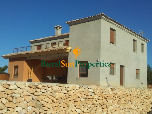 Large country property for sale Elda, Alicante