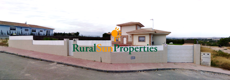 Large Villa for sale in residencial close to Murcia. Built area 500 m²