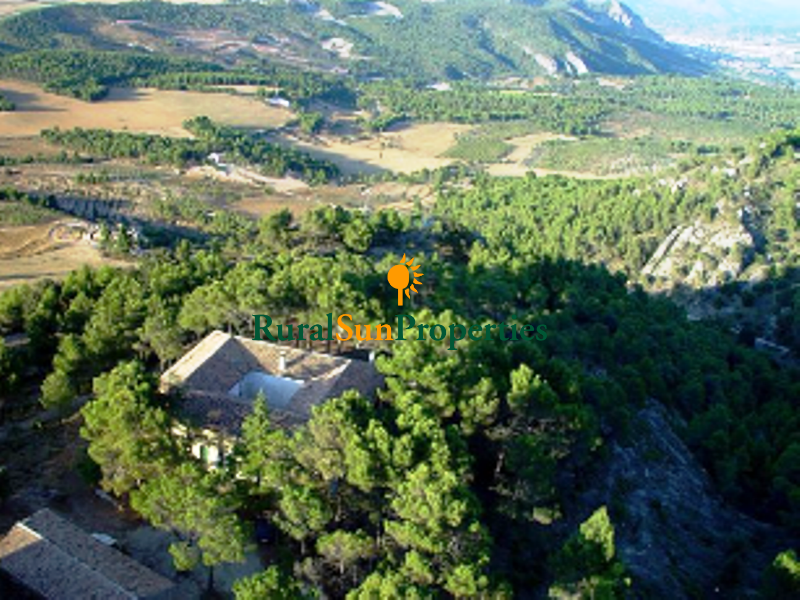 Masia Country Estate 40 min. from Alicante placed on 144,000 acres of forest