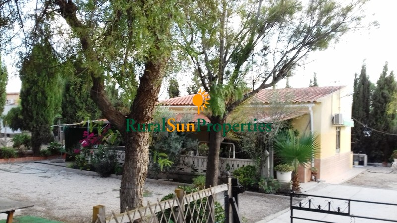 Villa for sale at seven minutes to Molina and 15 to Murcia city with plot
