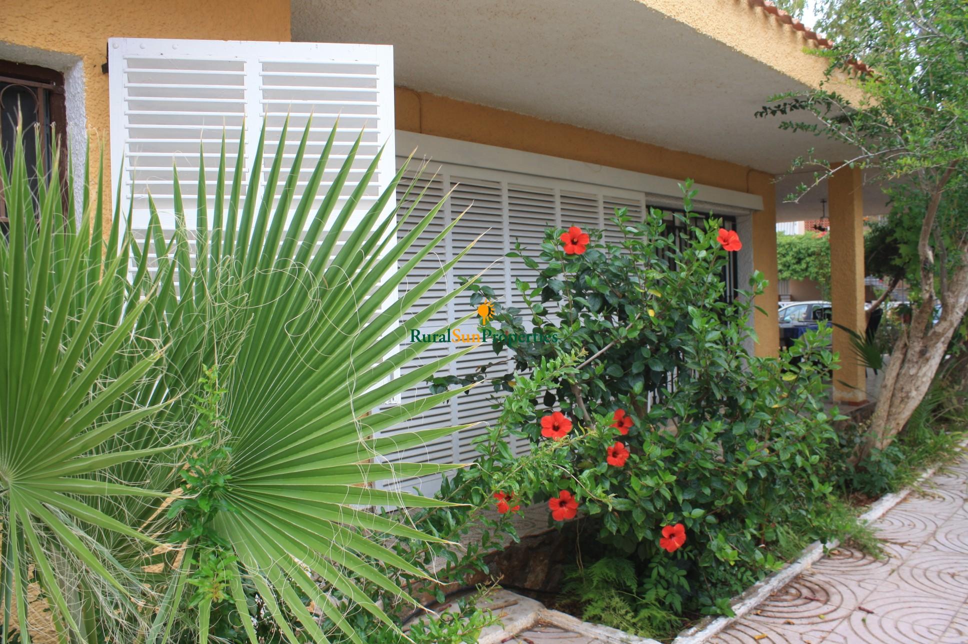 Venta casa con parcela en Calabardina a pocos metros de playa