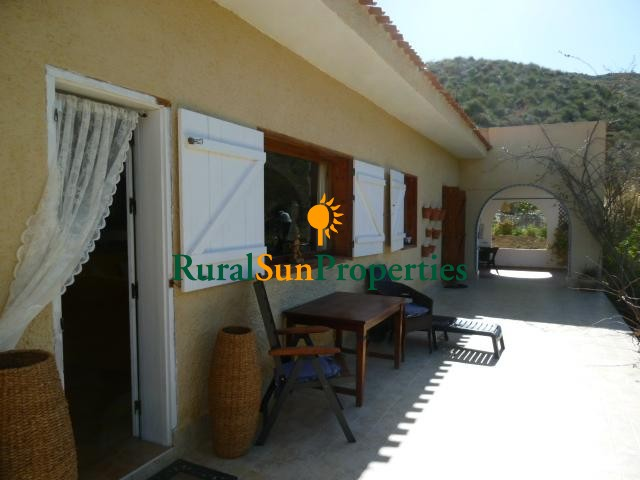 Charming country house, sits on a plot of 20.000m2 in dip. Morra del Pan, Águilas