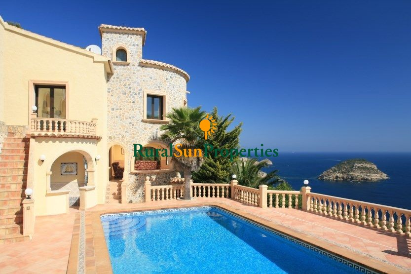 Luxury Villa for Sale in Javea, Costa Blanca with fantastic sea view