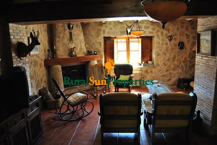 Very authentic and charming XVIII century Masia for sale Alicante