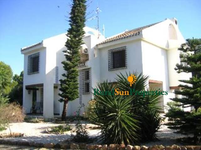 Casa estilo Cordobés cerca de Lorca