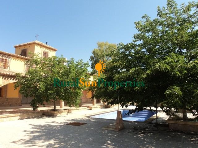Venta Casa Cortijo Señorial en Lorca finca de 80 ha
