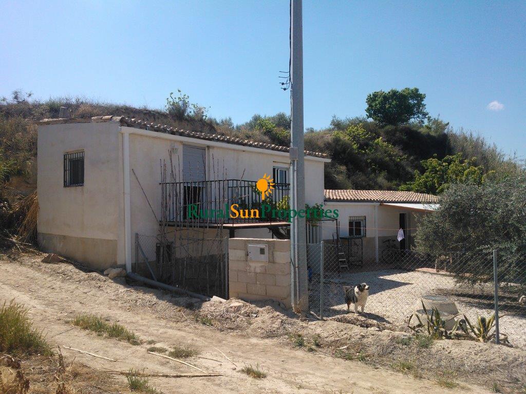 Casa con terreno agua y luz en Calasparra
