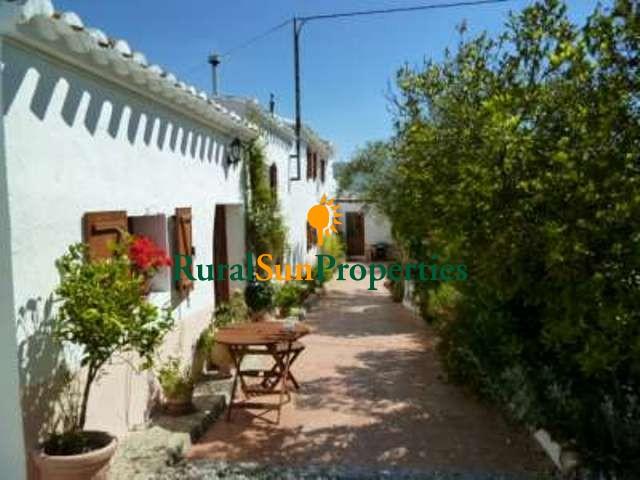 Venta Casa de campo Almería-Velez Rubio