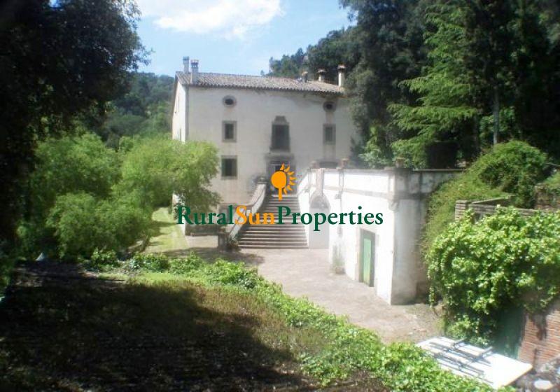 Country Estate Masia for sale in Barcelona