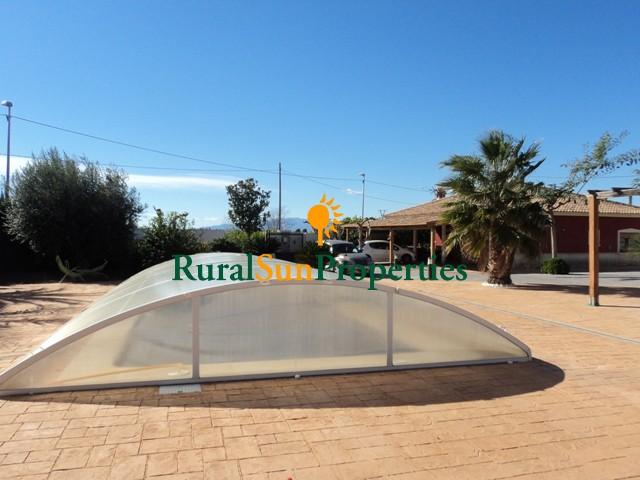 Villa cerca de Archena con piscina climatizada