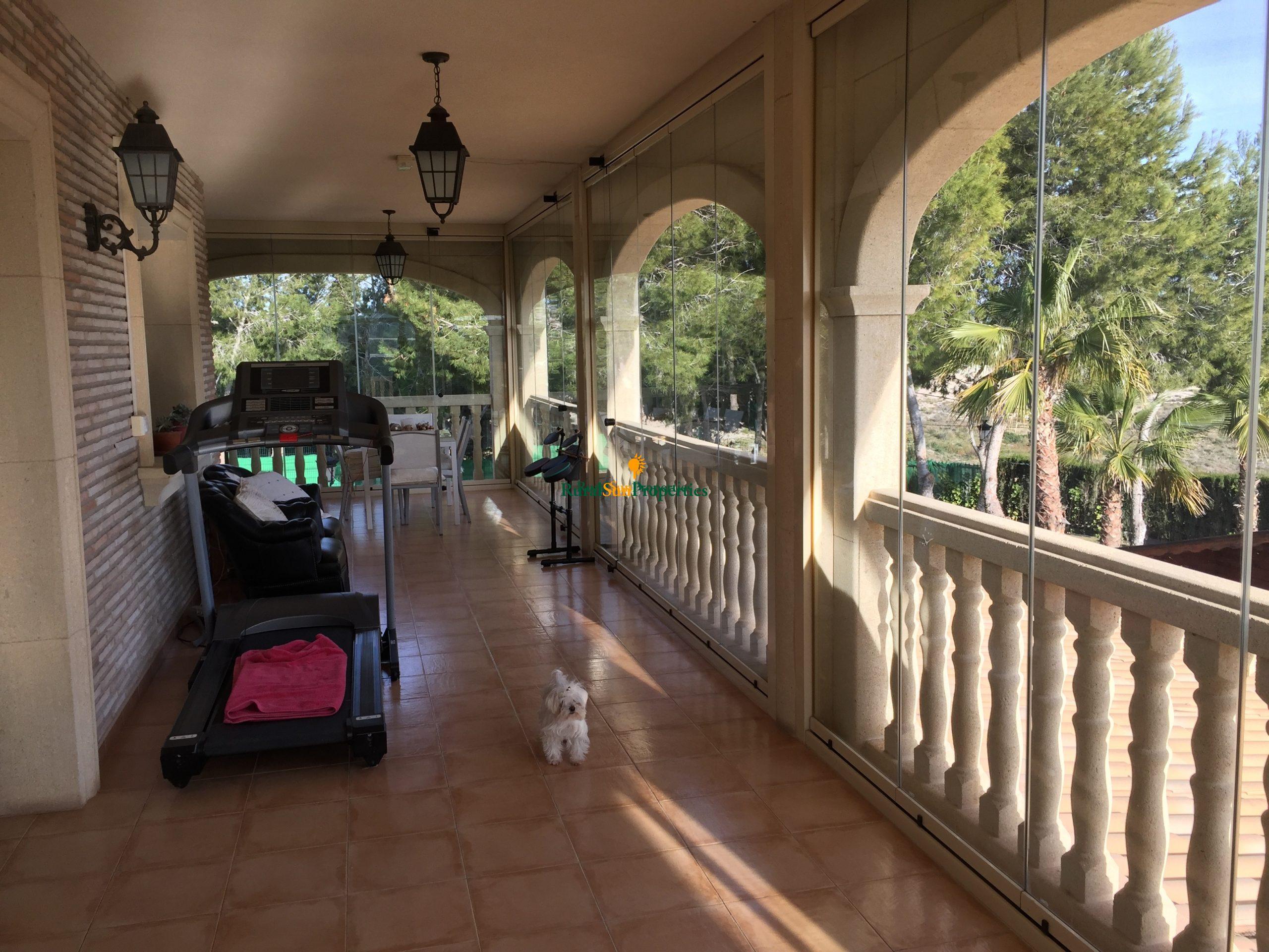 Bargain Sale exclusive villa in Murcia.