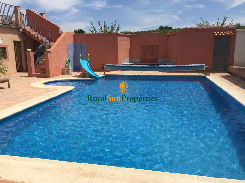 Spacious and comfortable country house in Bullas