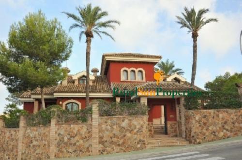 Villa Exclusiva en venta en Campoamor