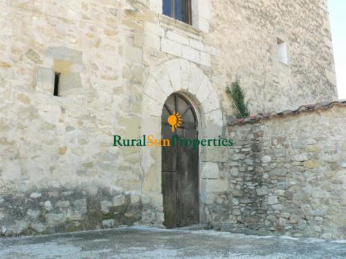 1152_castillo-medieval-valencia-interior-05