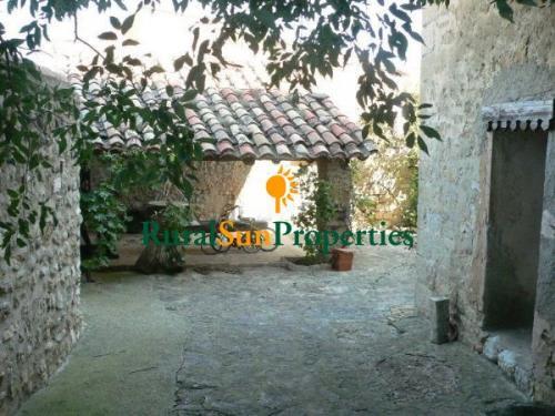 1152_castillo-medieval-valencia-interior-07