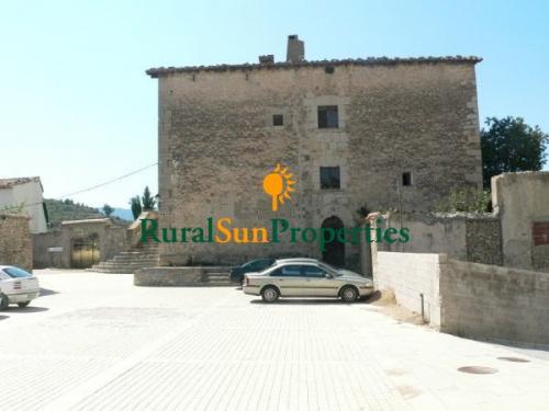 1152_castillo-medieval-valencia-interior-08