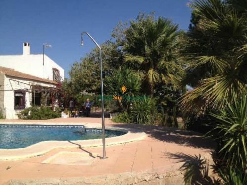 Venta Casa con parcela en Alhama de Murcia muy cerca del pueblo