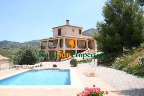 Venta Casa con parcela en el monte Lorca