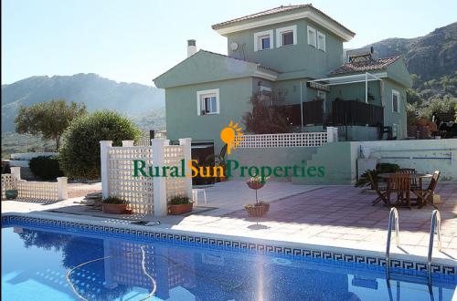 Casa con parcela en venta en Calasparra, Murcia