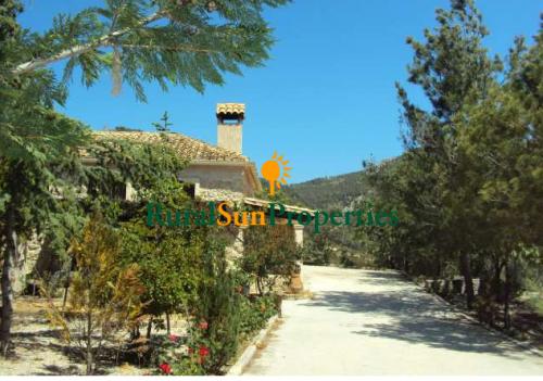 Venta casa rústica en piedra - cerca de Xixona, Alicante
