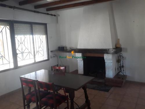 1375_Casa-de-campo-muy-espaciosa-en-Bullas-03