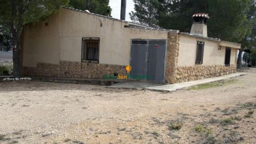 1391_Casa-de-campo-en-Yecla-con-1ha-04