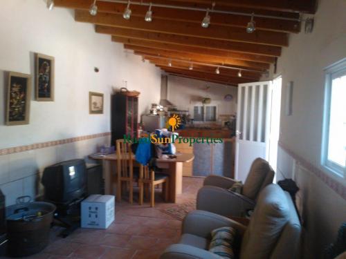1392_Casa-con-terreno-agua-luz-Calasparra-04
