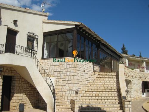 1401_Venta-casa-parcela-grande-Benidorm-Alicante-05