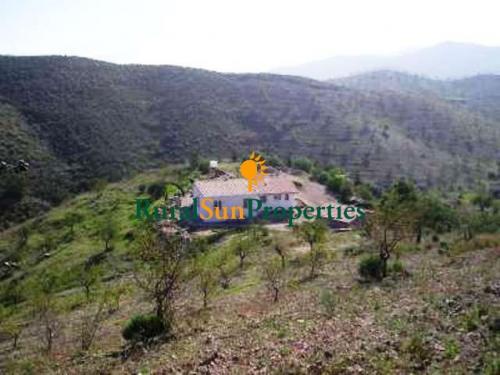 Casa de Campo con Parcela 80.000m2 en Lorca-Murcia