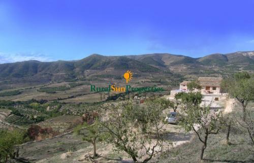 Venta casa de campo en las montañas de Alicante interior