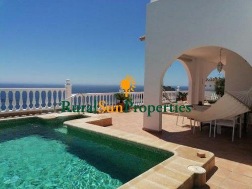Fantástica villa con exclusivas vistas al mar en Los Collados Aguilas Murcia.