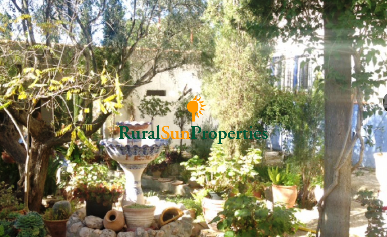 Murcia Interior-Ricote Finca en venta con cortijo típico